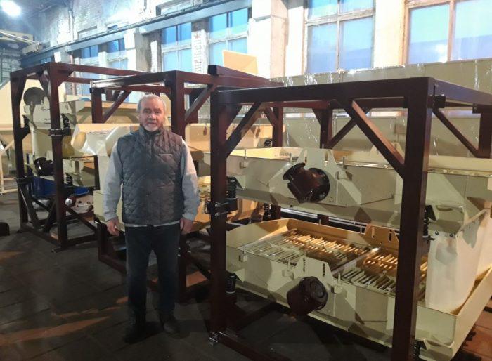 Зерно очистительное оборудование готовое к отправке заказчику. Л.В. Фадеев